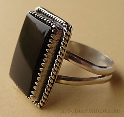Navajo Indian sterling silver and onyx southwestern ring